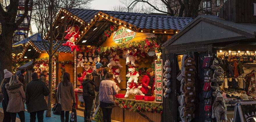 A living tradition; the Christmas markets of Paris