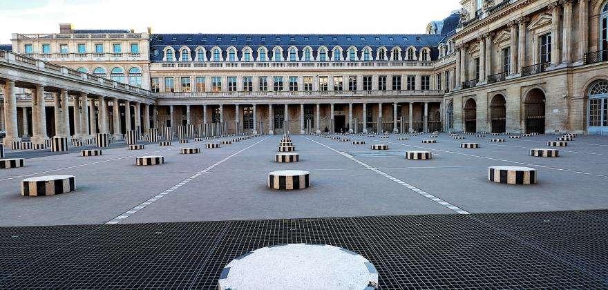 The Colonnes de Buren: an open-air work of art