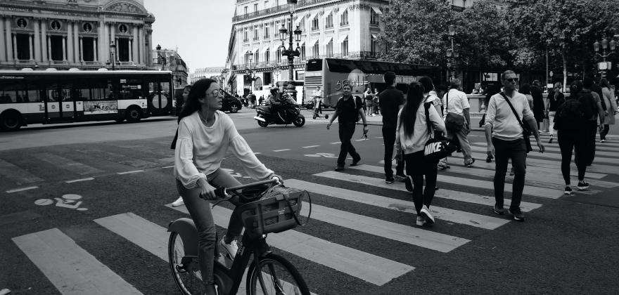 The Rue de Rivoli by bike