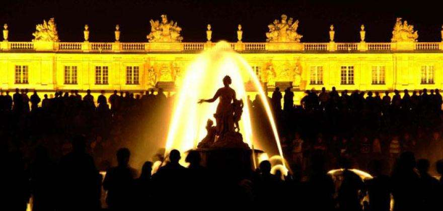 Why visit the Louvre and Versailles during your trip to Paris?