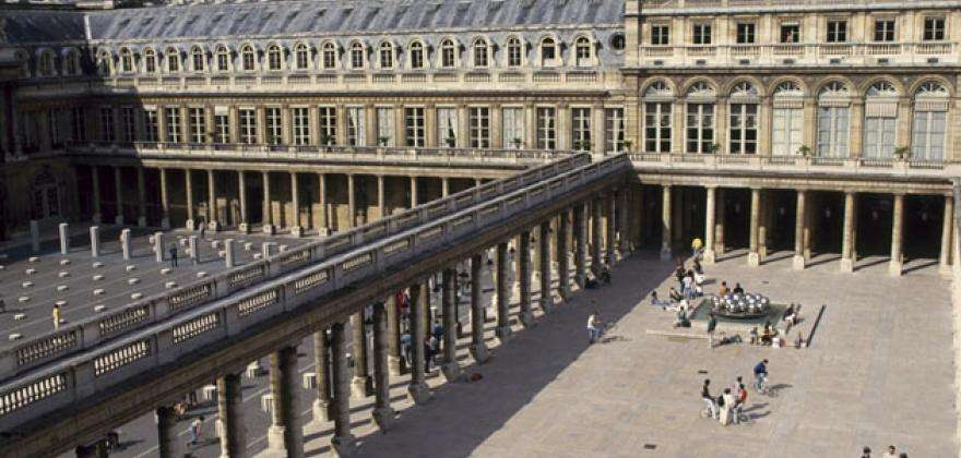 Activities around the hotel: The shows to be discovered at the Théâtre du Palais-Royal and the Comédie-Française in December
