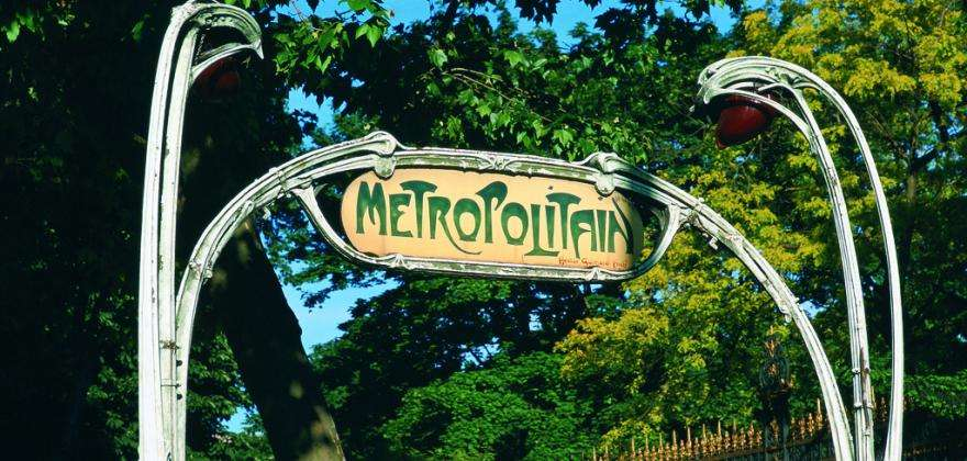 Discover the secrets of the Paris Metro