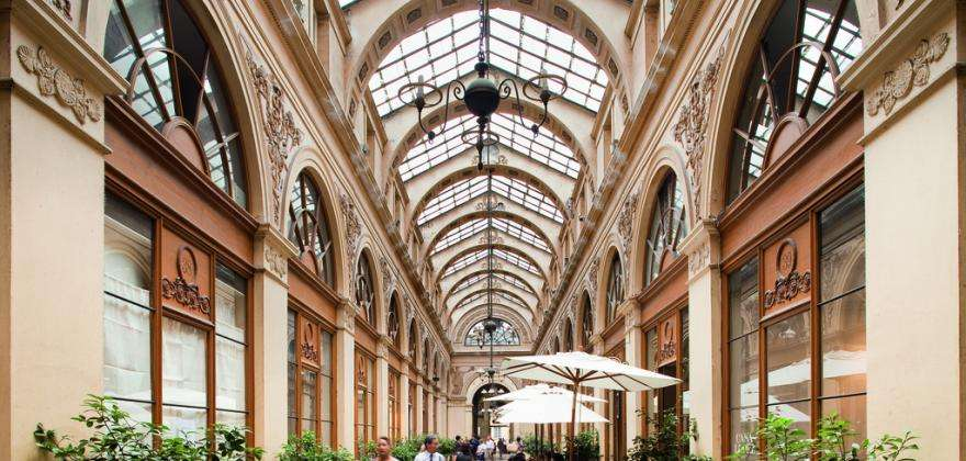 Discovering the covered passages of Paris